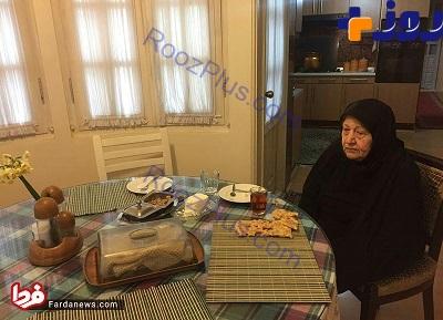 عکسی غمگین از تنهایی همسر ایت الله هاشمی در منزل
