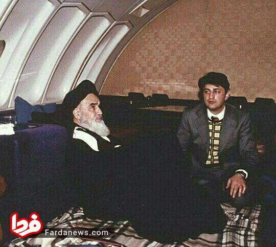 عکسی جالب و دیده نشده از امام خمینی(ره) در هواپیمای ایرفرانس