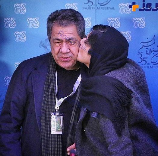بوسيدن جهانگیر کوثری در جشنواره فجر