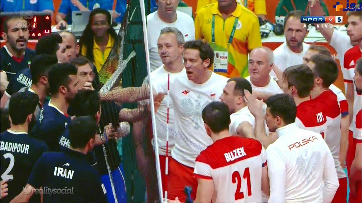 درگیری والیبالیست های ایران و لهستان در پایان مسابقه+عکس