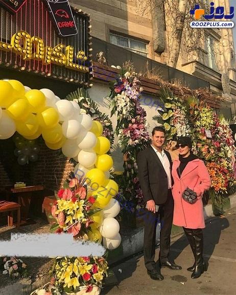 تیپ متفاوت الناز شاکردوست و خانواده اش در افتتاحیه رستورانشان+عکس
