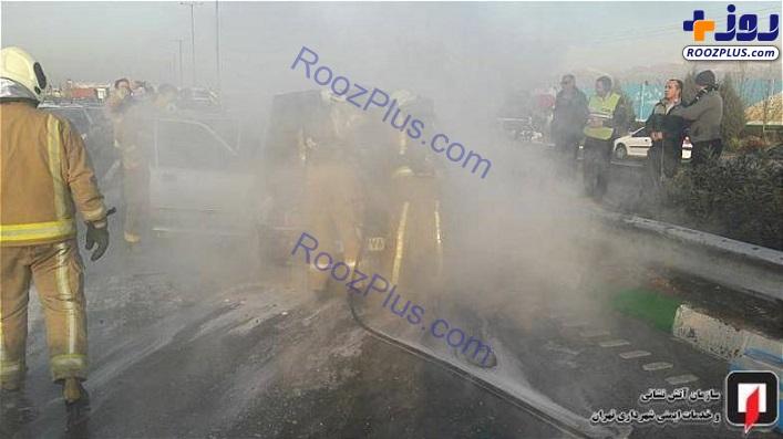 خودروی مرگ حین حرکت در بزرگراه آتش گرفت! +تصاویر