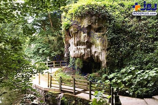 آبشاری که شما را تبدیل به سنگ می کند!+عکس