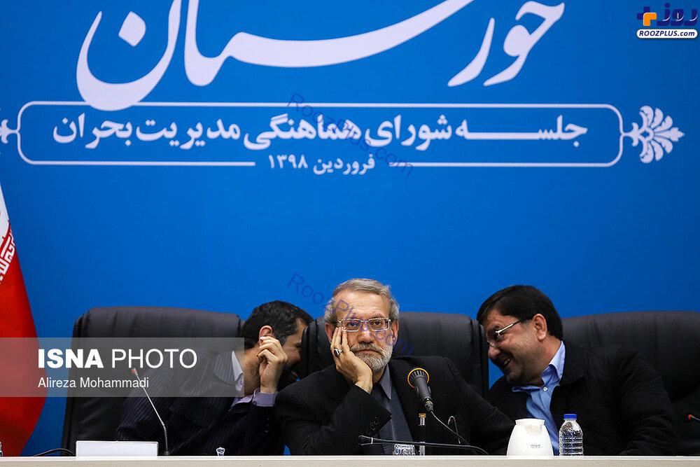 ژست متفکرانه رییس مجلس در جلسه مدیریت بحران +عکس