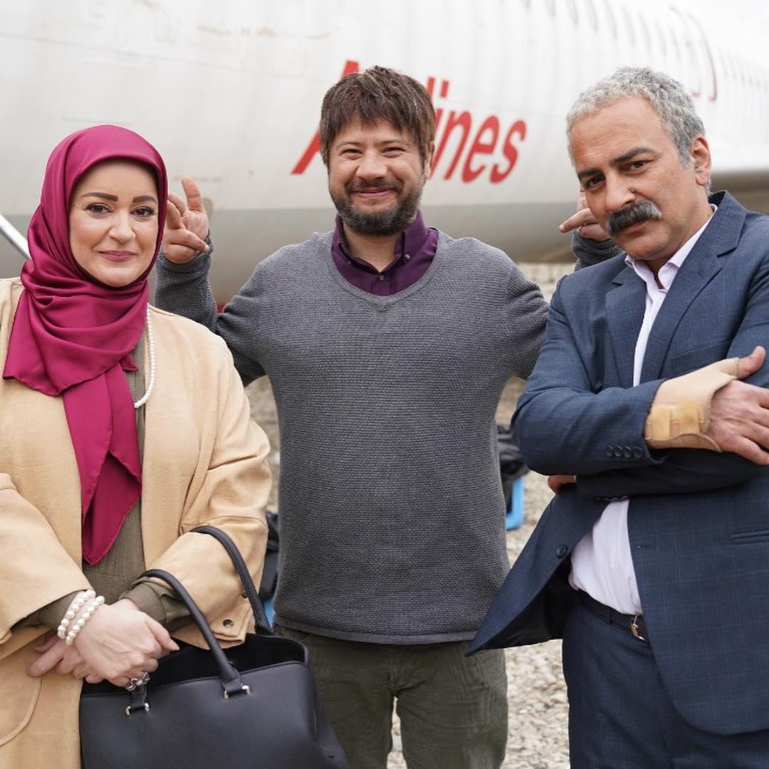عکس/شوخی علی صادقی با نعیمه نظامدوست در پشت صحنه «نون.خ»