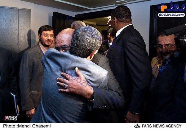 احمدینژاد در آغوش عمرالبشیر+عکس