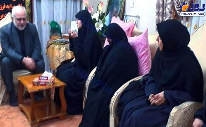 عکس/ حضور ظریف در منزل سردار شهید سلیمانی
