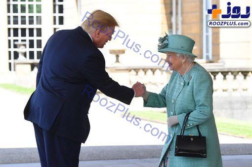 شیوه دست دادن ترامپ با ملکه انگلیس جنجالی شد!/عکس