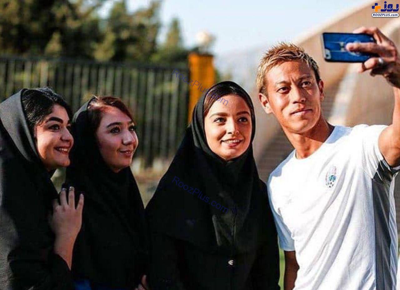 عكس/سلفی مربی کامبوج با دختران ایرانی