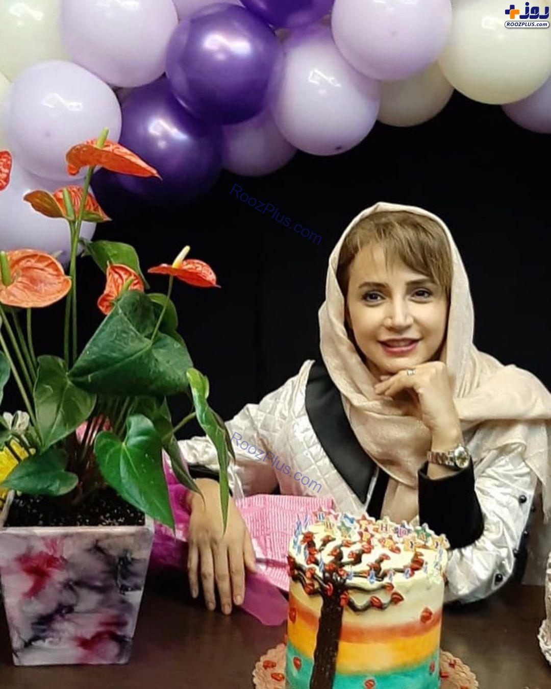 شبنم قلیخانی و کیک تولدش +عکس