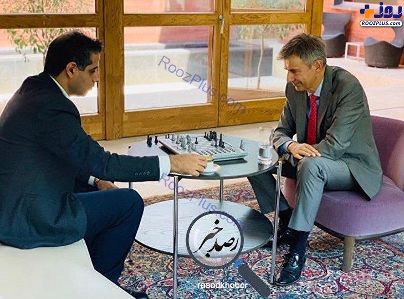 شطرنج بازی کردن سفیر سوئیس با استاد بزرگ شطرنج ایران/عکس