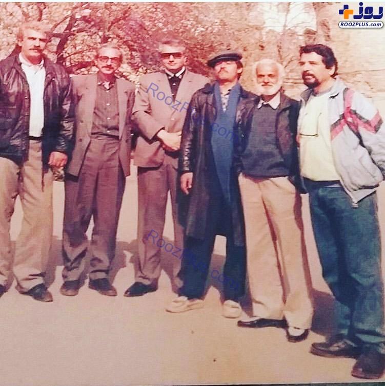 عکس زیرخاکی از رضا رویگری و دوستانش